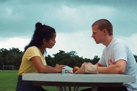 Taylor Russell McKenzie als Emily und Lucas Hedges als Luke in einer Szene des Films «Waves». Foto: Courtesy Of A24/Universal Pictures/dpa