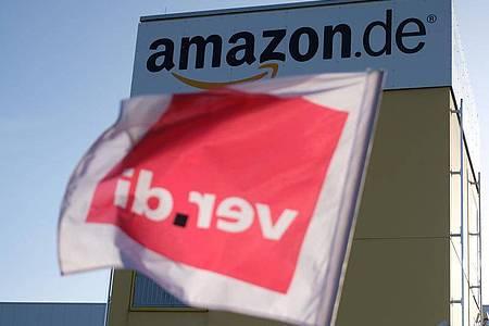 Mit bundesweit mehrtägigen Streiks beim Online-Händler Amazon will die Dienstleistungsgewerkschaft Verdi erneut Druck machen in ihrem jahrelangen Kampf für einen Einzelhandels-Tarifvertrag. Foto: Sebastian Willnow/dpa-Zentralbild/dpa