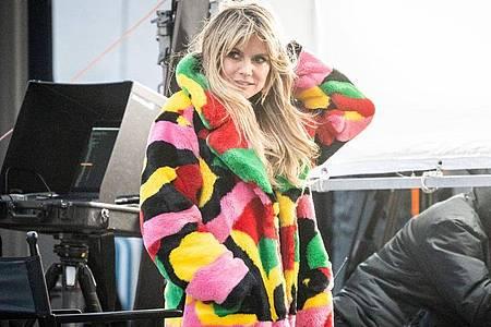 Heidi Klum bei den Dreharbeiten zur neuen Staffel von «Germany`s next Topmodel». Foto: Kay Nietfeld/dpa