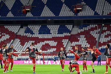 Beim Spiel des FCBayern München gegen den FC Schalke 04 waren keine Zuschauer zugelassen. Foto: Matthias Balk/dpa