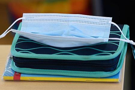 Die Bundesregierung versucht über das Infektionsschutzgesetz einheitliche Regeln festzulegen. Foto: Robert Michael/dpa-Zentralbild/dpa