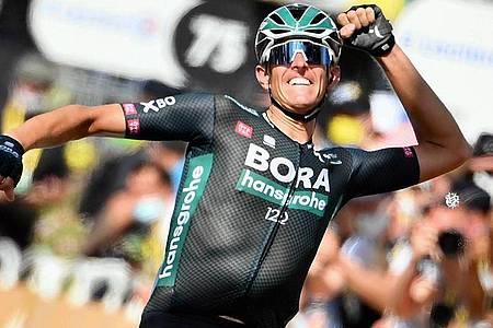 Feierte als einziger Deutscher einen Etappensieg bei der Tour de France 2021: Nils Politt. Foto: David Stockman/BELGA/dpa