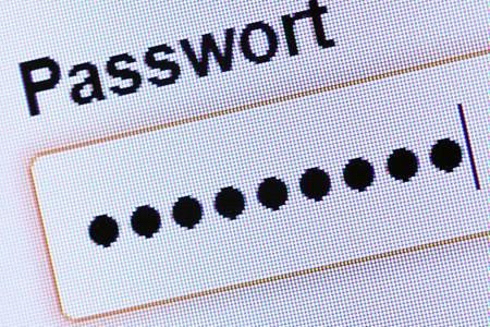 Acht mindestens, gerne mehr:Je mehr Zeichen ein Passwort hat, desto sicherer ist es. Foto: Andrea Warnecke/dpa-tmn