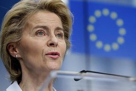 EU-Kommissionspräsidentin Ursula von der Leyen: Im Kampf gegen die Corona-Wirtschaftskrise haben sich die EU-Staaten auf das größte Haushalts- und Finanzpaket ihrer Geschichte geeinigt. Foto: Stephanie Lecocq/EPA Pool/AP/dpa
