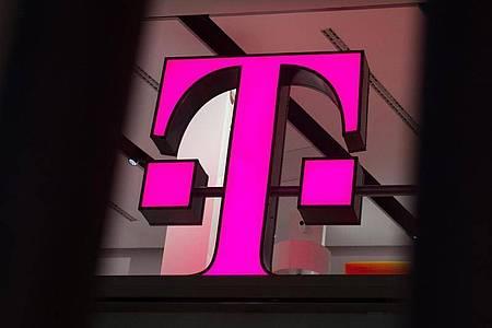 Das Logo der Deutschen Telekom. Foto: Rainer Jensen/dpa