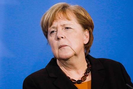 Bundeskanzlerin Merkel ist mit dem Europäischen Bürgerrechtspreis der Sinti und Roma ausgezeichnet worden. Foto: Markus Schreiber/AP POOL/dpa