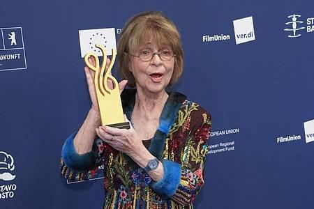 Cornelia Froboess erhielt den Ehrenpreis für ihr Lebenswerk. Foto: Jörg Carstensen/dpa