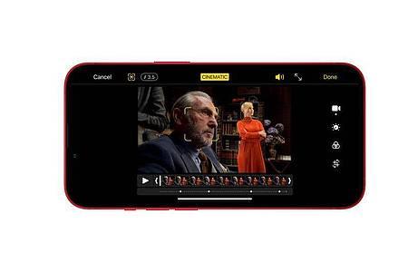 Wer spricht? Das iPhone 13 erkennt das beim Filmen und fokussiert entsprechend. Das lässt sich nachher aber noch ändern. Foto: Apple Inc./dpa-tmn