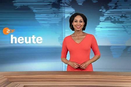 Moderatorin Jana Pareigis im neugestalteten Studio der ZDF-Nachrichtensendung «heute». Foto: Jana Kay, Corporate Design/ZDF/dpa