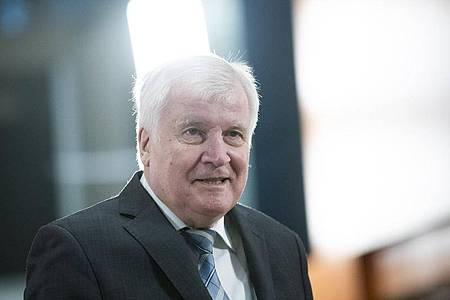 Horst Seehofer Mitte der Woche vor Beginn einer Sitzung des Bundeskabinetts im Kanzleramt. Foto: Christoph Soeder/dpa Pool/dpa