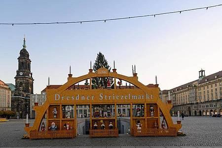 Bis zuletzt hatte man gehofft, aber jetzt wurde der Dresdner Striezelmarkt doch abgesagt. Foto: Robert Michael/dpa-Zentralbild/dpa