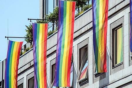 Laut einer Umfrage wünschen sich viele Arbeitnehmer einen offenen Umgang mit sexueller Diversität. Foto: picture alliance / dpa
