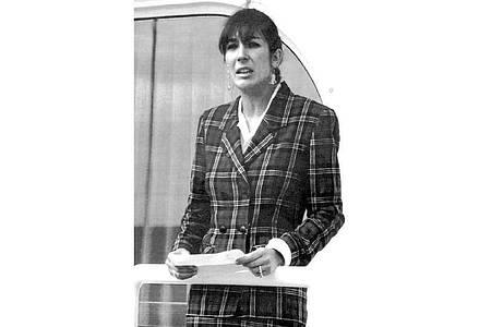 """Ghislaine Maxwell, Tochter des verstorbenen britischen Verlegers R. Maxwell, an Bord der """"Lady Ghislaine"""". Foto: Dominique Mollard/AP/dpa"""