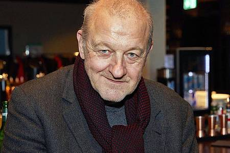 Leonard Lansink über das Arbeiten am Set in Corona-Zeiten. Foto: Georg Wendt/dpa