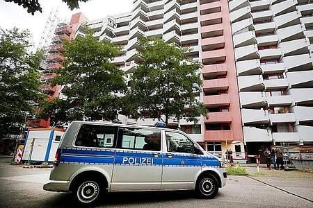In diesem Wohnhaus in Köln-Chorweiler plante das Paar den Anschlag. Foto: Oliver Berg/dpa