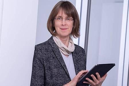 Susanne Weg-Remers ist Leiterin des Krebsinformationsdienstes am Deutschen Krebsforschungszentrum. Foto: Tobias Schwerdt/DKFZ/dpa-tmn