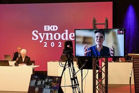 Die Philosophiestudentin Anna-Nicole Heinrich ist bei der 13. EKD-Generalsynode zur neuen Präses gewählt worden. Foto: Jens Schulze/EKD/dpa