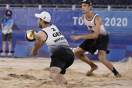 Clemens Wickler (l) und Julius Thole sind im Viertelfinale ausgeschieden. Foto: Petros Giannakouris/AP/dpa