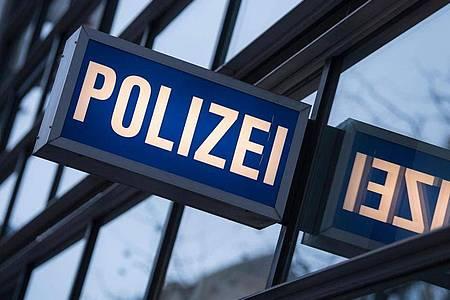 Wo ist Isabella aus Celle? Die Polizei hofft auf Hinweise. Foto: Boris Roessler/dpa/Symbolbild