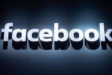 Das Logo von Facebook auf der Videospielmesse Gamescom. Foto: Christophe Gateau/dpa