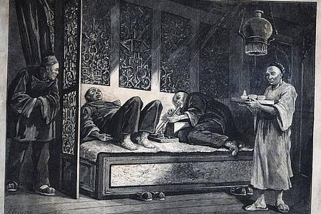 Im 19. Jahrhundert breitete sich Opium auf Betreiben der Kolonialmächte in ganz Asien aus. Foto: Yami 2/ARTE France/dpa