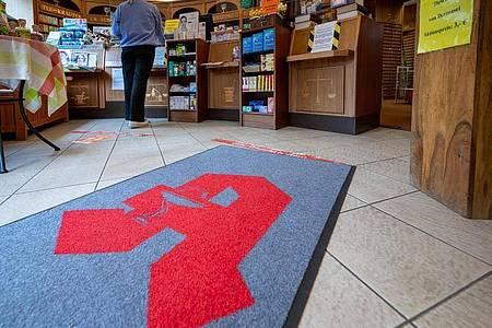 Apotheken sollen Patienten künftig bei der Zusammenstellung von Medikamenten beraten. Foto: Monika Skolimowska/dpa-Zentralbild/dpa