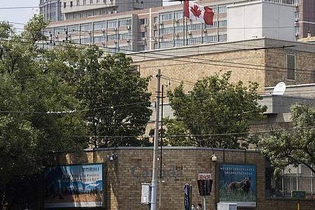 Die kanadische Botschaft in Peking. Kritiker werfen China «Geiseldiplomatie» vor. Foto: Ng Han Guan/AP/dpa