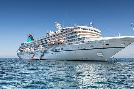 Das Kreuzfahrtschiff «MS Artania» (undatiert). Foto: -/Phoenix Reisen/dpa