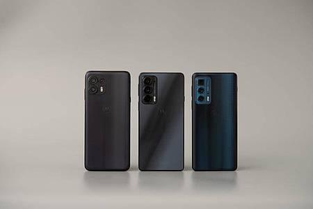 Mit der Edge-20-Serie will Motorola von Einsteiger- bis Spitzenklasse viele Ansprüche bedienen. Foto: Zacharie Scheurer/dpa-tmn