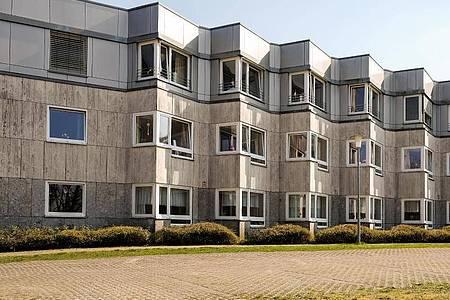 Das Hanns-Lilje Altersheim. Im Hanns-Lilje-Heim in Wolfsburg sind zwölf Menschen nach einer Infektion mit dem Coronavirus gestorben. Foto: Ole Spata/dpa