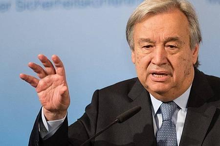 UN-Generalsekretär Antonio Guterres hat angesichts der Corona-Krise mehr internationale Zusammenarbeit gegen Pandemien angemahnt. Foto: Matthias Balk/dpa