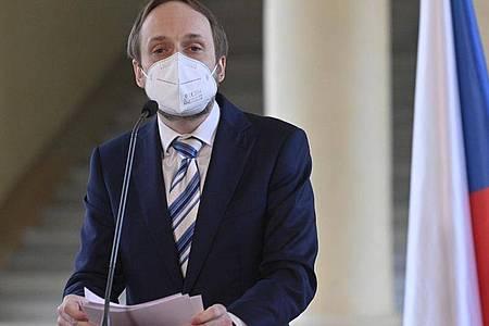 Der neue tschechische Außenminister Jakub Kulhanek stellt Russland ein Ultimatum. Foto: Kamaryt Michal/CTK/dpa