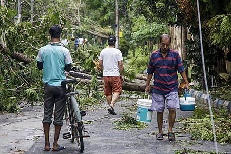 Der Sturm war nach Angaben des indischen meteorologischen Diensts einer der stärksten der vergangenen 20 Jahre. Foto: Bikas Das/AP/dpa