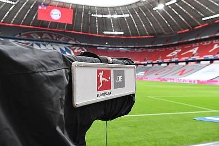 Es ist nicht einfach den Überblick bei der Bundesliga-Berichterstattung auf dem Bildschirm zu behalten. Foto: Sven Hoppe/dpa-Pool/dpa