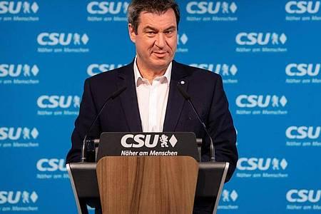 Bayerns Ministerpräsident Markus Söder (CSU) bringt eine Maskenpflicht auf öffentlichen Plätzen ins Spiel. Foto: Sven Hoppe/dpa