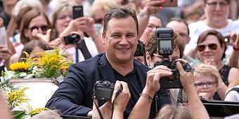 Guido Maria Kretschmer in der Menge