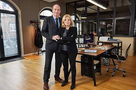 Herbert Knaup und Sabine Postel lockten wieder viele Fernsehzuschauer in ihre TV-Kanzlei. Foto: Georg Wendt/dpa