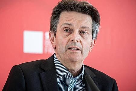 Rolf Mützenich Anfang Mai vor einer Fraktionssitzung der SPD im Bundestag. Foto: Michael Kappeler/dpa