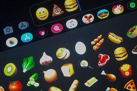 Eine Form der Kommunikation:Emojis. Foto: Jörg Carstensen/dpa