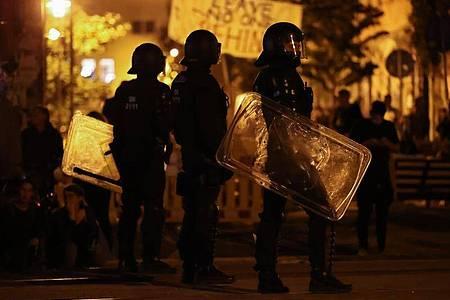 Die Polizei verstärkt die Zahl ihrer Einsatzkräfte. Foto: Jan Woitas/dpa-Zentralbild/dpa