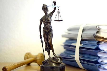 Ein Gericht setzt die Quarantänepflicht für Einreisende außer Vollzug. Foto: Volker Hartmann/dpa