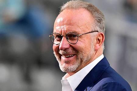 Sieht in Borussia Dortmund wieder den ersten Konkurrenten für den FC Bayern München: Karl-Heinz Rummenigge. Foto: Robert Michael/dpa-Zentralbild/Pool/dpa
