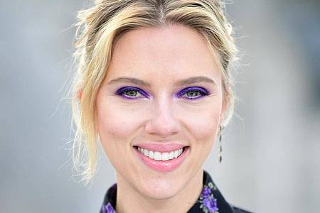Hollywood-Star Scarlett Johansson hat sich mit Disney geeinigt. Foto: Ian West/PA Wire/dpa