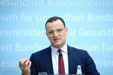 Bundesgesundheitsminister Jens Spahn: «Die dritte Welle ist gebrochen. Aber sie ist noch nicht unten.». Foto: Kay Nietfeld/dpa
