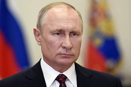 Der russische Präsident Wladimir Putin hat die landesweit verordnete arbeitsfreie Zeit für beendet erklärt. Foto: Alexei Nikolsky/Pool Sputnik Kremlin/dpa