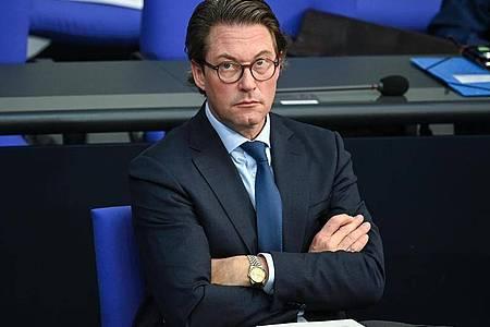 Andreas Scheuer sieht ambitioniertere Klimaziele der EU-Kommission skeptisch. Foto: Britta Pedersen/dpa-Zentralbild/dpa