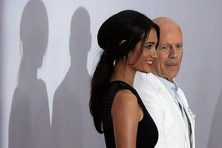 Bruce Willis ist seit 2009 mit Emma Heming verheiratet. Die beiden sind Eltern zweier Töchter. Foto: picture alliance / dpa