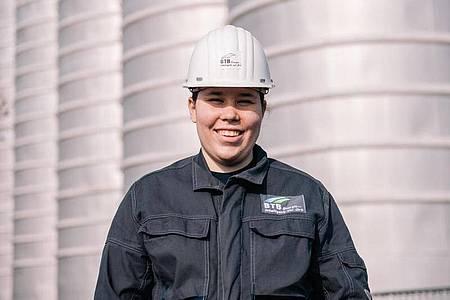 Lisa-Maria Schippl möchte nach ihrer Ausbildung zur Anlagenmechanikerin gerne weiter im Betrieb bleiben. Foto: Zacharie Scheurer/dpa-tmn
