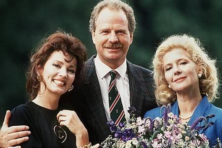 Meilenstein der Familienserie:«Das Erbe der Guldenburgs» mit Iris Berben (l), Friedrich von Thun und Christiane Hörbiger. Foto: Fischer/dpa