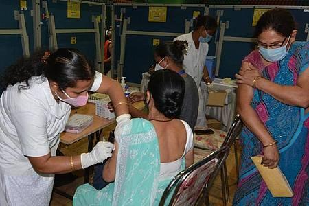 Indien ist neuer Spitzenreiter bei den weltweiten Corona-Neuinfektionen an einem Tag. Foto: Str/XinHua/dpa